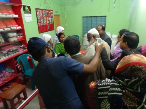 Mayor and DC Satkhira visit the KISHORI shop